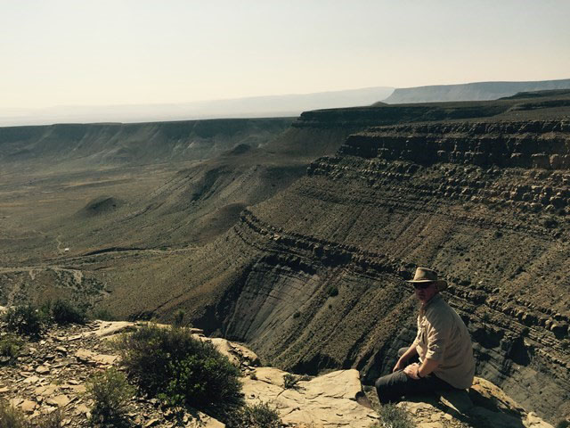 Deep marine sandstone settings in the Tanqua Karoo as an analogue to oil and gas fields offshore Bredasdorp basin (contributed by Peter Dekker, PetroSA)